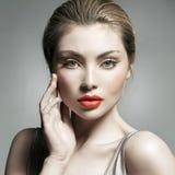 Close-upportret van het jonge bleke meisje Royalty-vrije Stock Fotografie