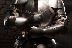 Close-upportret van middeleeuwse ridder in pantser Stock Fotografie