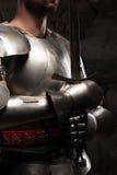 Close-upportret van middeleeuwse ridder in pantser Royalty-vrije Stock Afbeelding