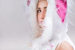 Close-upportret van mooi meisje in kostuum Royalty-vrije Stock Fotografie