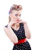 Close-upportret van mooie blonde pinupvrouw royalty-vrije stock foto