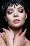 Close-upportret van mooie vrouw met helder Royalty-vrije Stock Foto