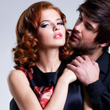 Close-upportret van sexy paar in liefde. Stock Foto
