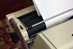 Close-upschrijfmachine Oude dingen stock afbeelding