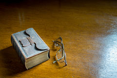 Closed Antique Bible-Songbook Royalty Free Stock Photography