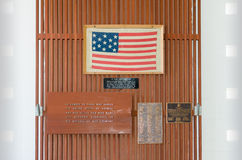 Closed sign board close-up memorial veterans war. Petaluma, CA, EUA - JULY 04 2015: closed sign board close-up through the fence in front of a store royalty free stock photos
