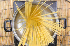 Closed up spaghetti boiling in the pan Royalty Free Stock Photography