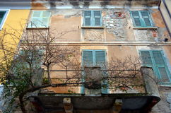 Closed windows on old wall, Italian building Royalty Free Stock Photos