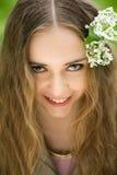closen blommar upp flickahår henne Arkivbild