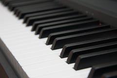 closen keys upp pianot nära frontal sikt svart white royaltyfri fotografi