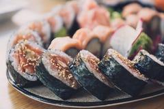closen rullar upp sushi royaltyfria foton