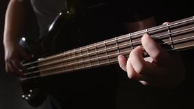closeup Θλίψη και ηλεκτρική βαθιά κιθάρα σειράς κίνηση αργή απόθεμα βίντεο