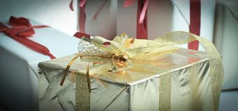 closeup элегантные коробки с подарками На белизне Стоковая Фотография