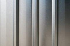 Closeup av bakgrundsdetaljen av textur av den aluminium väggen Royaltyfria Bilder
