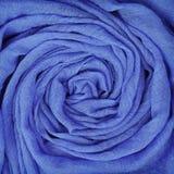 Closeup av blått draperat tyg royaltyfria bilder