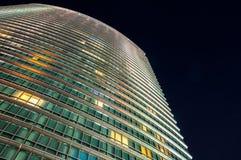 Closeup av byggnad för Marriott västra Indien kajhotell i Canary Wharf vid natt Fotografering för Bildbyråer