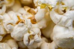 Closeup av Cooked popcorn Royaltyfri Bild
