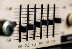 Closeup av den antika makroen för stereo- system för tappning royaltyfria bilder