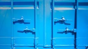 Closeup av den blåa sändningsbehållaren Royaltyfri Fotografi