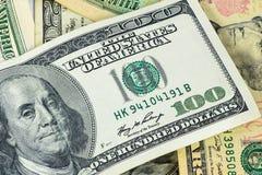 Closeup av den 100 dollar sedeln Royaltyfria Bilder