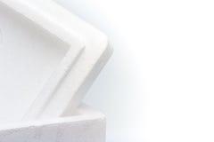 Closeup av den isolerade polystyrenlagringsasken royaltyfri fotografi