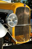 Closeup av den retro bilen Royaltyfri Foto