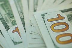 Closeup av 100 dollar räkning i USA Fotografering för Bildbyråer