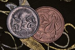 Closeup av en australier 2 och 5 cent mynt Royaltyfri Fotografi