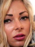 Closeup av en blond kvinna Fotografering för Bildbyråer