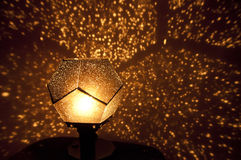 Closeup av en härlig guld- lampa Arkivfoto