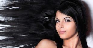 Closeup av en kvinnlig framsida Isolerat på svart arkivfoto