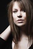 Closeup av en nätt brunettkvinna Fotografering för Bildbyråer