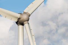 Closeup av en vindturbin Royaltyfri Foto