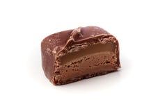 Closeup av enkel nougatchoklad med karamell Arkivfoto