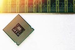 Closeup av ett bräde för elektronisk strömkrets med en processor Royaltyfri Bild