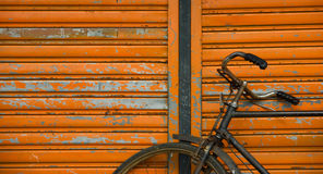 Closeup av gamla Rusty Bicycle Royaltyfria Foton