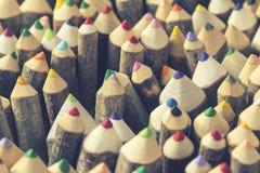 Closeup av handgjorda färgpennor Fotografering för Bildbyråer