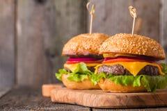 Closeup av hem- gjorda hamburgare Royaltyfria Foton