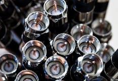 Closeup av koaxiala kablar som används för TV Elektrisk kabel med en inre ledare och en yttre sköld som är van vid bär hög frekve royaltyfri fotografi