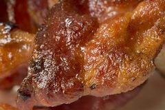Closeup av lagad mat bacon Royaltyfria Bilder