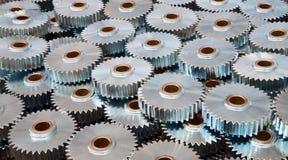Closeup av många metallkugghjul Royaltyfri Foto