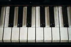 Closeup av pianobrädetangenter fotografering för bildbyråer