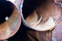 Closeup av rostiga metallrör Royaltyfria Foton