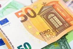 Closeup av sedeln för euro 50 Arkivbilder