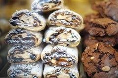 Italienska kakor med choklad och mandelar Arkivbild