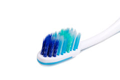Closeup av tandborsten med det mjuka och slanka koniska ojämna borstet arkivbild