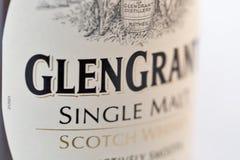 Closeup för Glen Grant Speyside Single Malt Scotch whiskyflaska royaltyfri fotografi