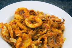 Closeup för maträtt för Nyonya Sambal ChiliCalamari Royaltyfri Bild