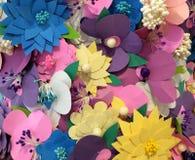 Closeup för pappers- blommor Arkivbilder