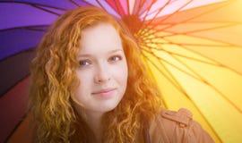Closeup för rödhårig manflickaframsida. royaltyfri foto